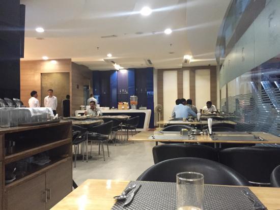 Cafe Treat In Meerut
